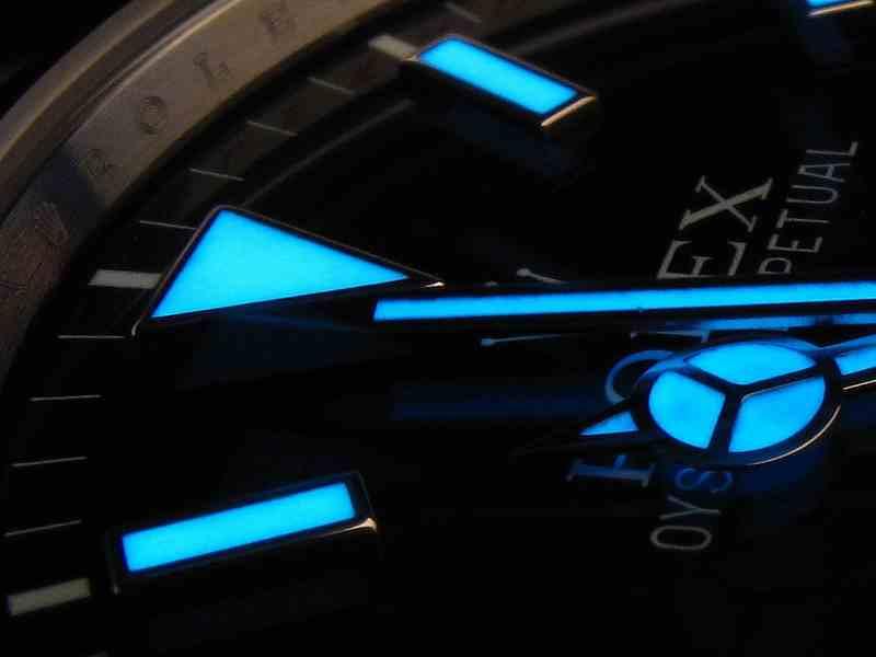 Interessantes über die Leuchtmassen der Uhren
